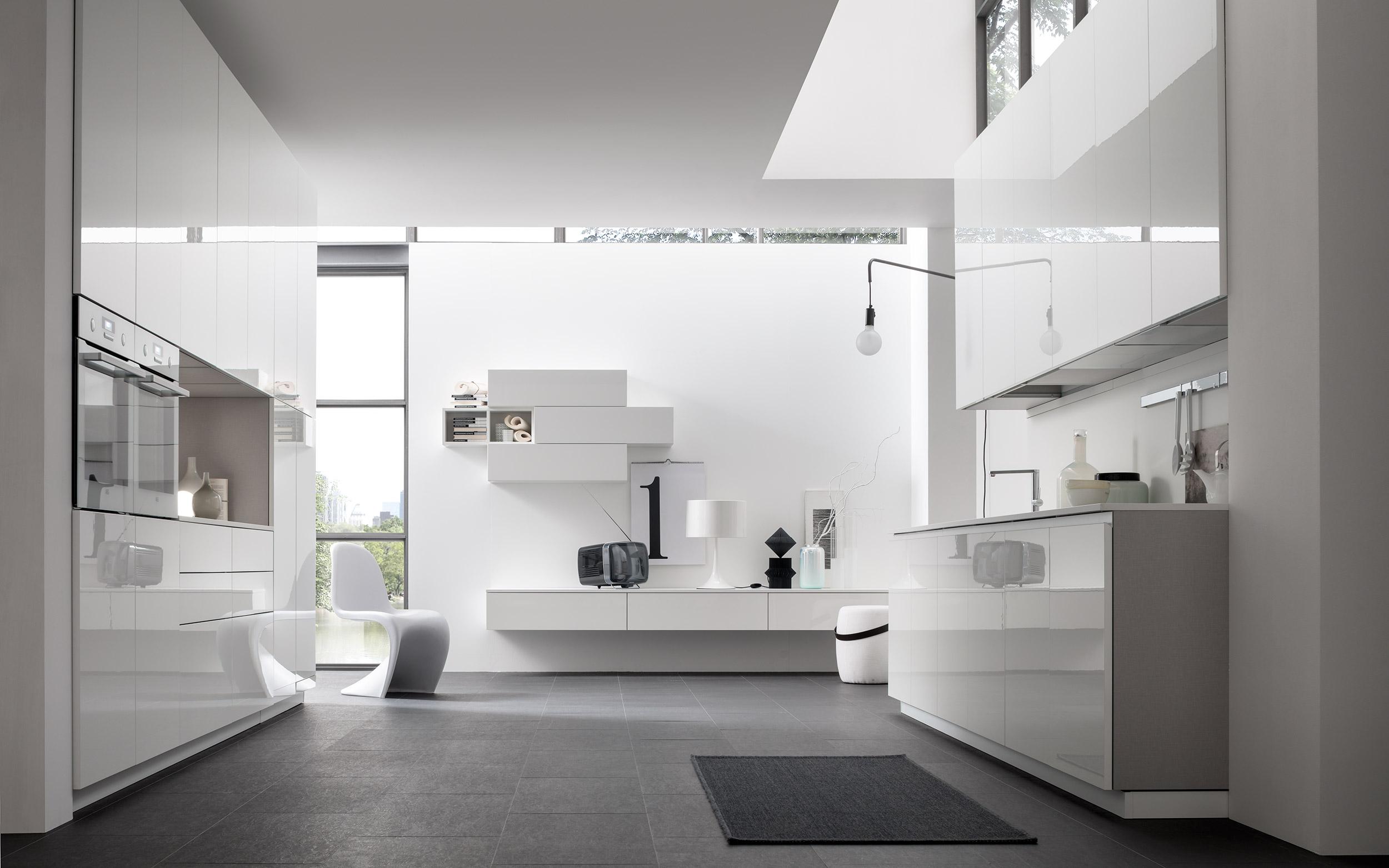 cucina lucida bianca