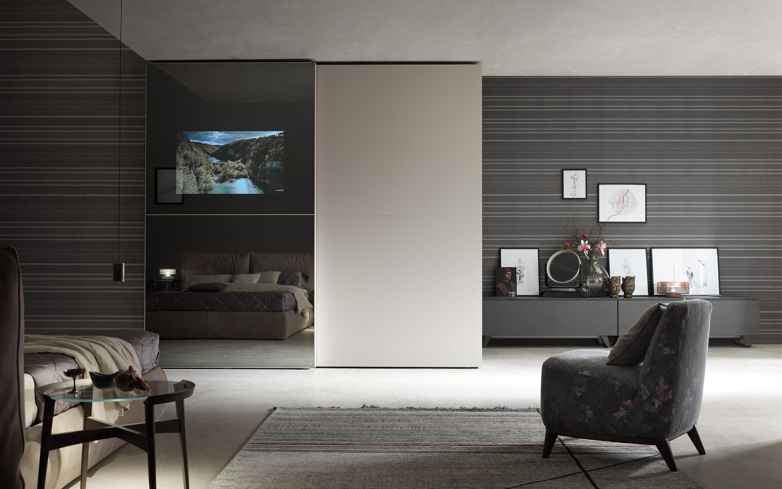 armadio vetro tv
