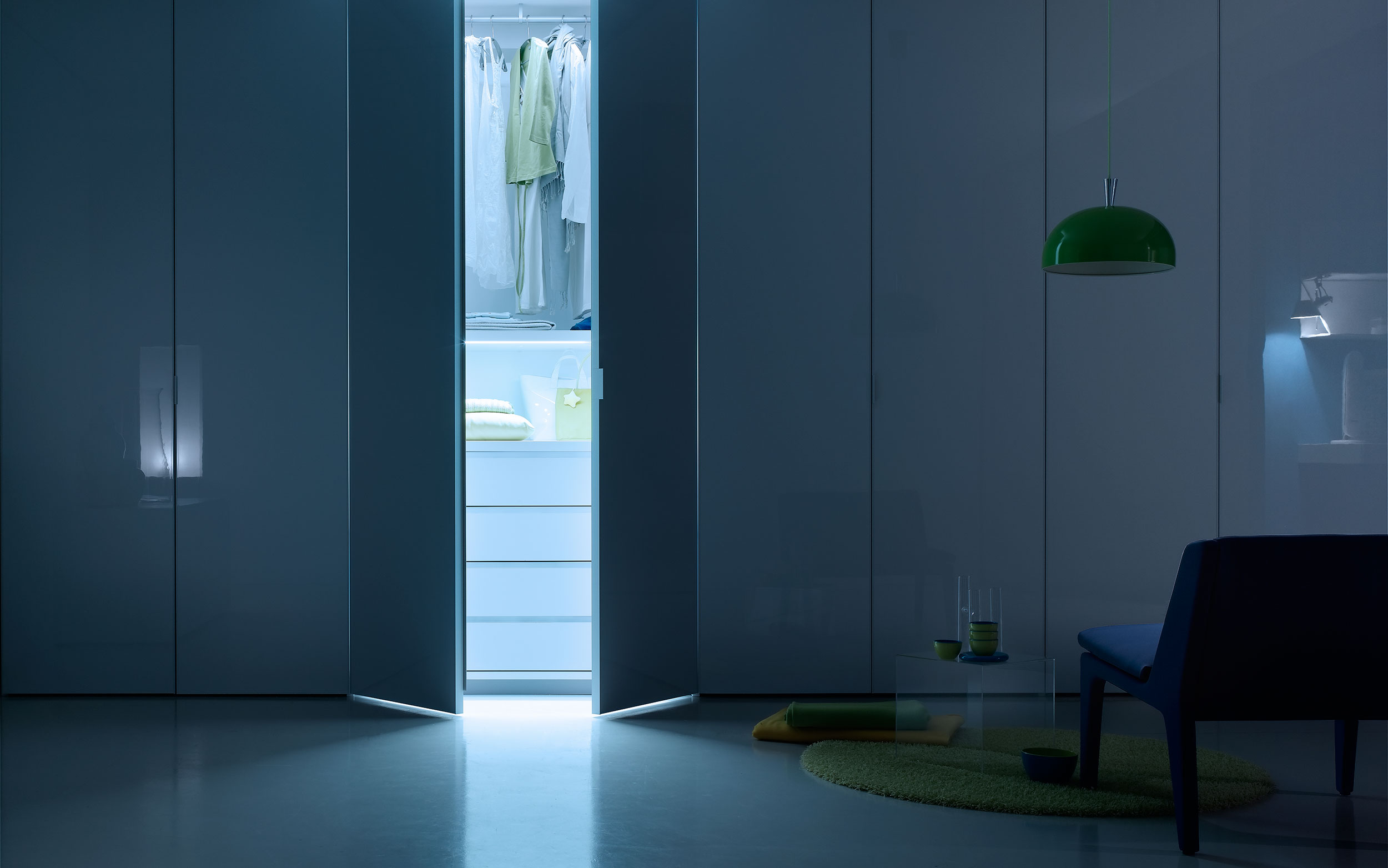 interno armadio luce